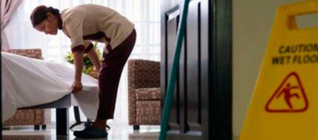 El presidente del Gobierno instrumentaliza con fines políticos la precariedad laboral de las camareras de piso