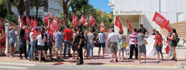"""UGT se manifiesta contra la """"explotación laboral"""" en los hoteles Allsun de Mallorca"""