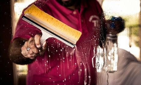 La Inspección de Trabajo obliga a aplicar el convenio de hostelería a una empresa que presta servicios de limpieza en el sector hostelero