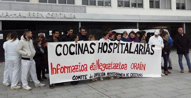 Trabajadores de Mediterránea de Cátering exigen información sobre el futuro de las cocinas hospitalarias